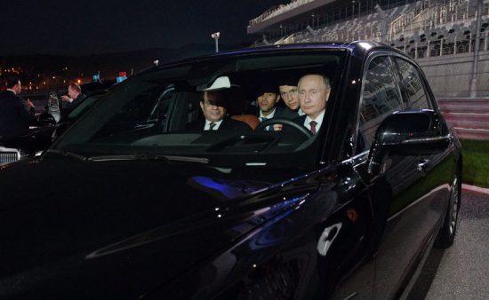 Путин за рулём автомобиля