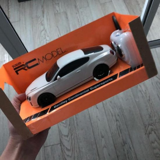 Игрушечный автомобиль Bentley
