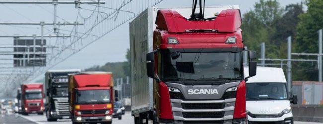 В Германии отрыт первый грузовой электроавтобан