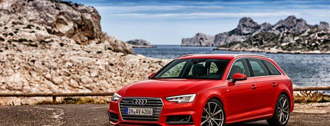 Красный Audi RS4 Avant