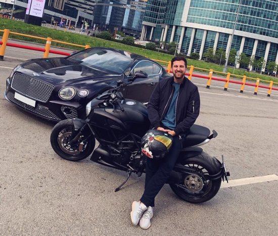 Машина Амирана Сардарова