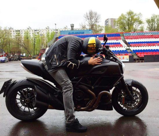 Мотоцикл Амирана Сардарова