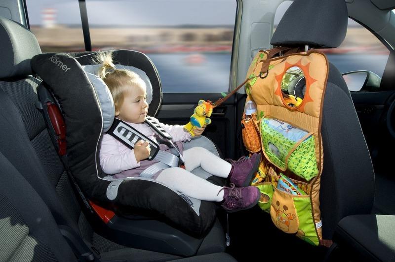 Детский сад на колесах: 5 отличных вещей, с которыми будет намного проще и безопаснее ездить с ребенком в машине