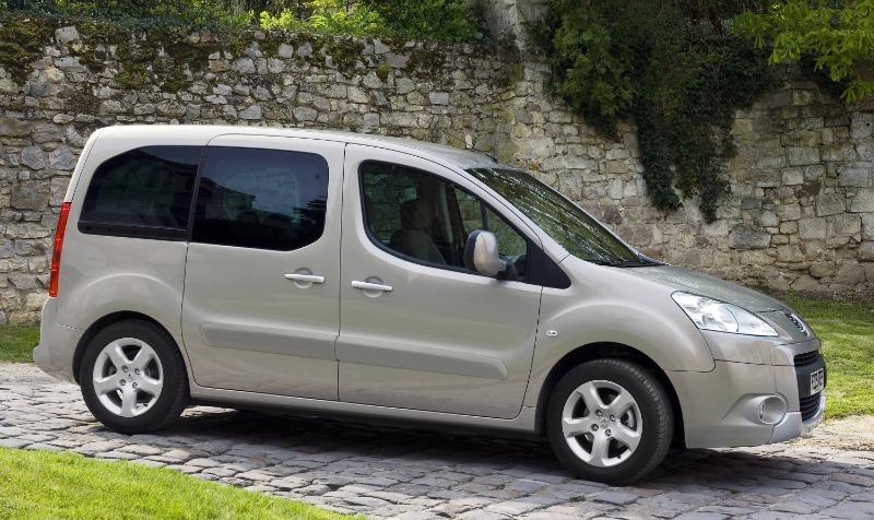 5 французских авто, которые раскупаются активнее, чем японские и немецкие машины